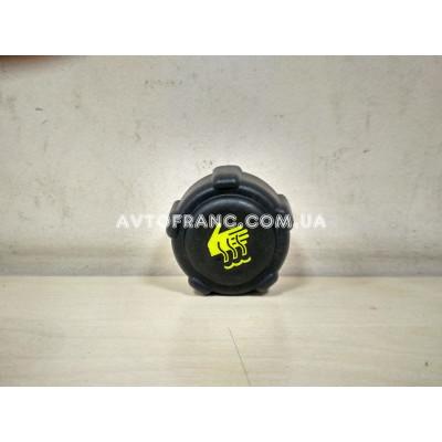 Крышка расширительного бачка (пробка) Renault Оригинал 8200048024